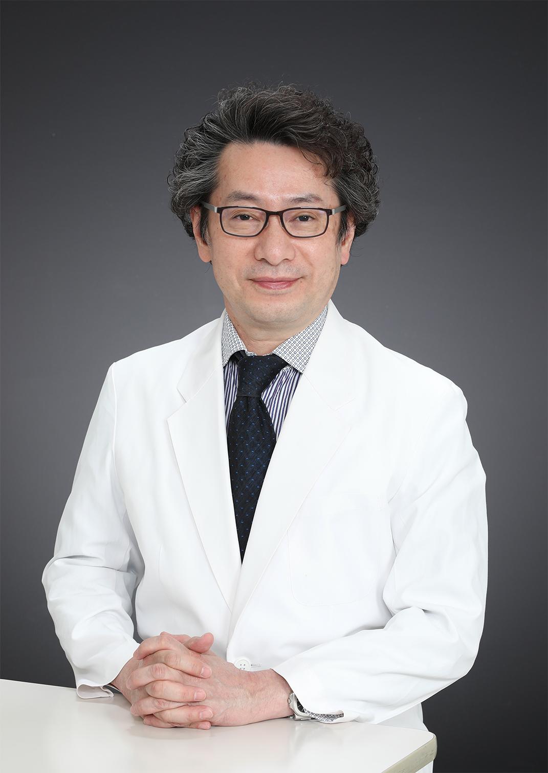 院長 医学博士 沖田 純
